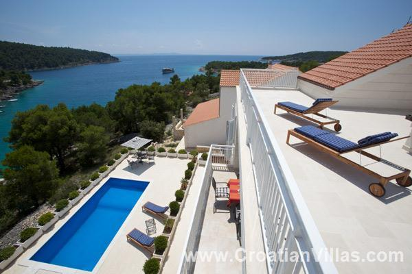 7 Bedroom Luxury Villa with Pool nr Milna on Brac, Sleeps 12