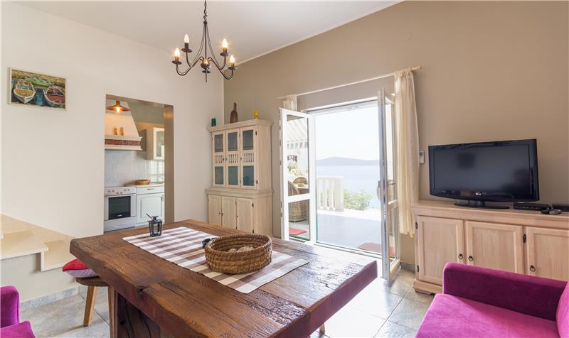 4 Bedroom Villa with Pool in Sevid near Primosten, Sleeps 8