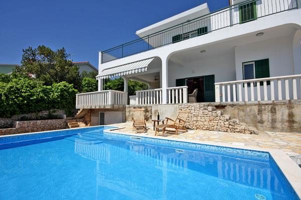 4 Bedroom Villa with Pool in Sevid near Primosten, Sleeps 8