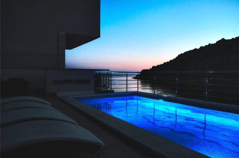 4 Bedroom Villa with Pool and Sea Views near Rogoznica, Sleeps 9