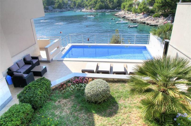4 Bedroom Villa with Pool and Sea Views near Rogoznica, Sleeps 9