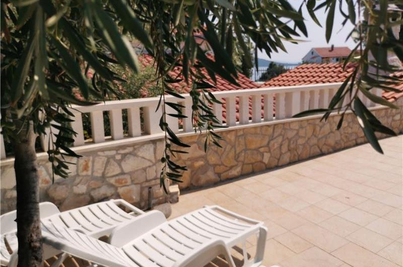 2 Bedroom Cottage in Sevid near Primosten, Sleeps 4-6