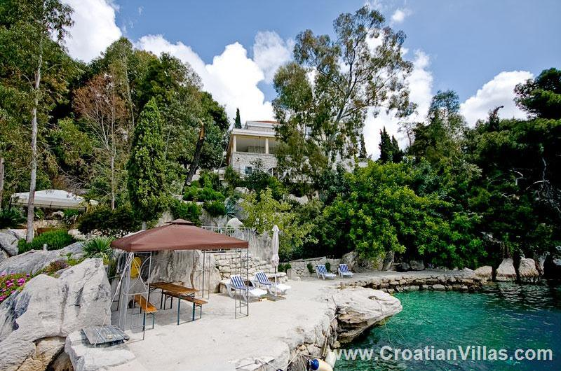 4 Bedroom Beach Front Villa on Ciovo, Sleeps 8-10