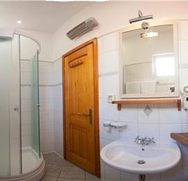 1 bedroom Apartment in Komiza on Vis Island, Sleeps 2-4