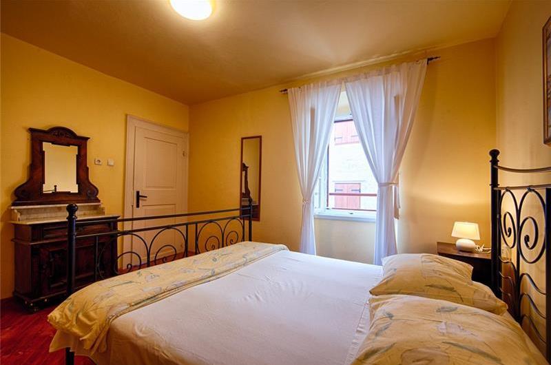 4 Bedroom Villa in Komiza on Vis Island, Sleeps 9-11