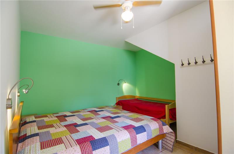 4 Bedroom Villa at the heart of Vis Town, Sleeps 9