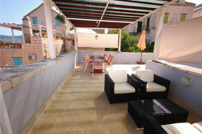 4 Bedroom Villa at the heart of Vis Town, Sleeps 9