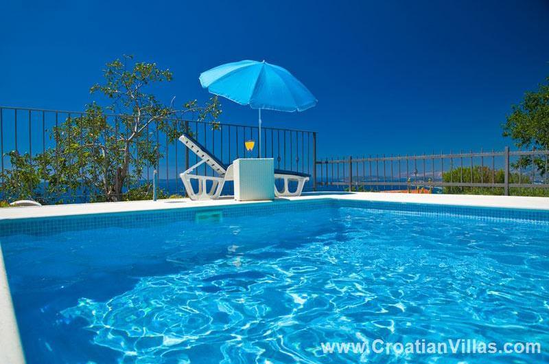 3 Bedroom Villa with Pool in Old Podstrana, Sleeps 6-8