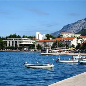 3 bedroom Villa in Makarska, Sleeps 6-7