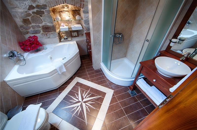 Bathroom in Vis villa - Croatian Villas