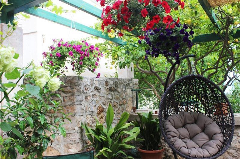 4 Bedroom Villa with Infinity Pool in Bol, Brac Island, sleeps 8