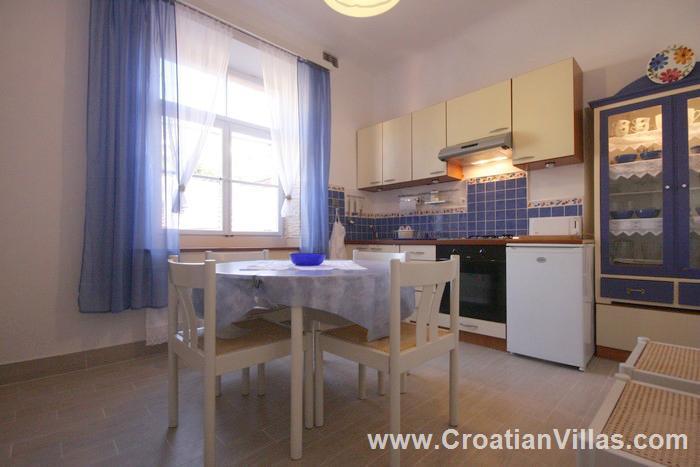 2 bedroom Apartment with terrace on Hvar Island, Sleeps 4-5
