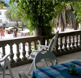 2 bedroom Apartment with terrace on Hvar Island, Sleeps 4-5