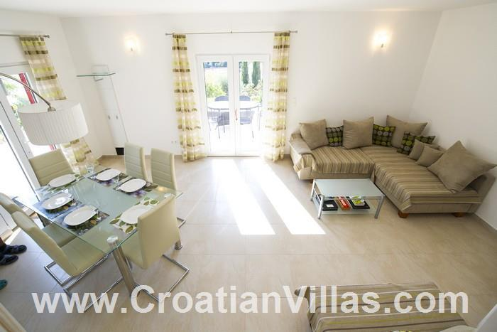 2 Bedroom Apartment with Pool on Ciovo, Sleeps 4-6