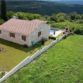 3 Bedroom Villa with Pool near Buje, Sleeps 6-8