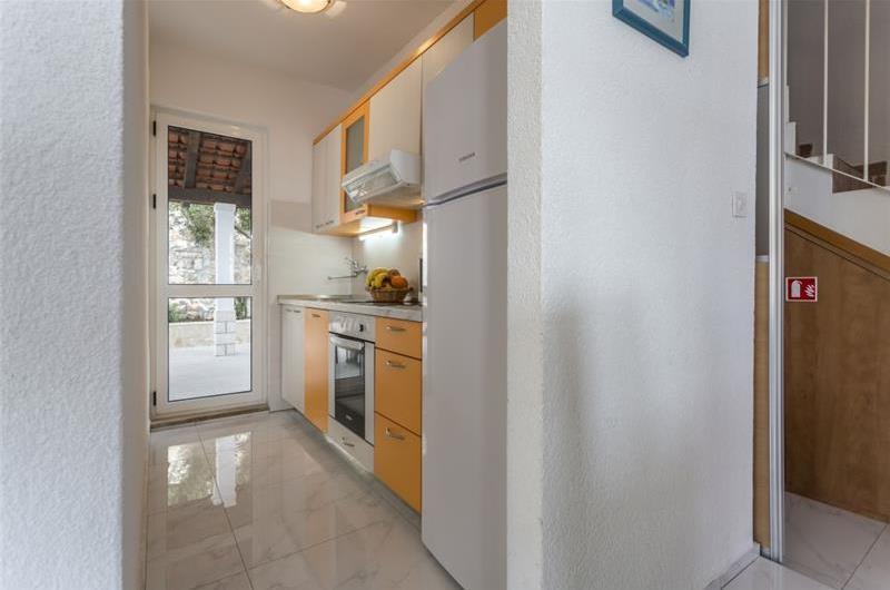 4 Bedroom Villa with Pool close to beach in Sevid, near Primosten - sleeps 8-9