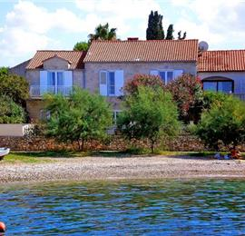 7 bedroom Villa in Mirca on Brac, sleeps 14-17