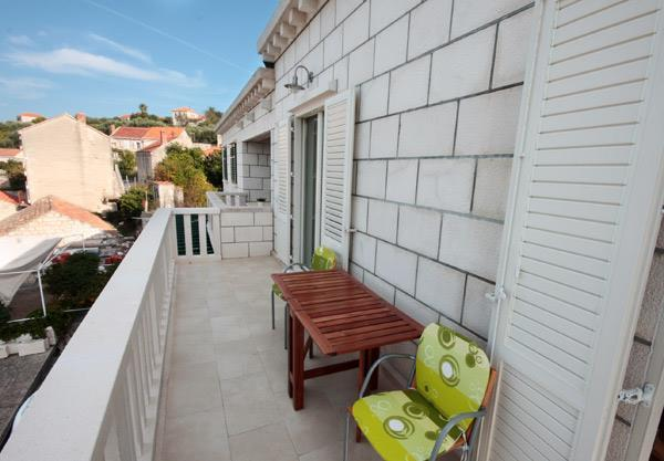 Four Bedroom Duplex Apartment on Lumbarda beach, Korcula Island, Sleeps 8