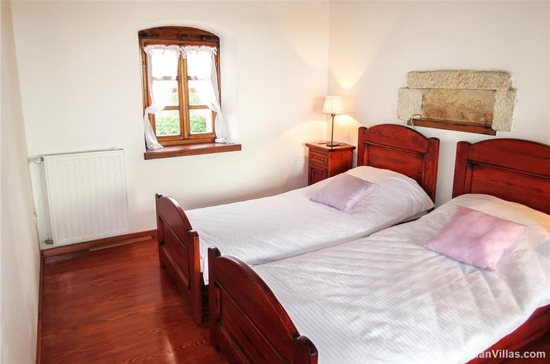 Istrian Villa near Labin with Pool for Holiday Rental IS146