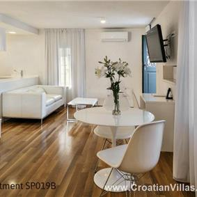 Selection of villas, apartment and rooms in Split. Sleeps 1-6