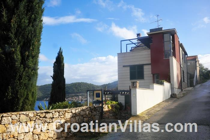 3 Bedroom Villa in Vis Town, Sleeps 6-10