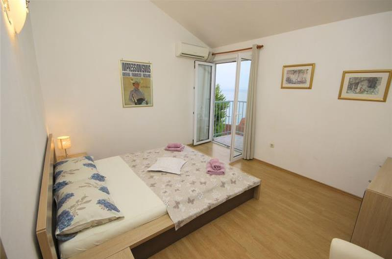 5 Bedroom Villa with Sea Views. Sleeps 10-11
