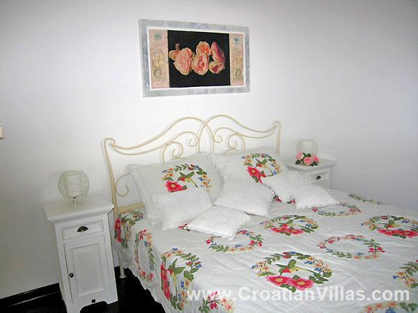 2 Bedroom Villa with Private Access to Beach, Sleeps 4-5