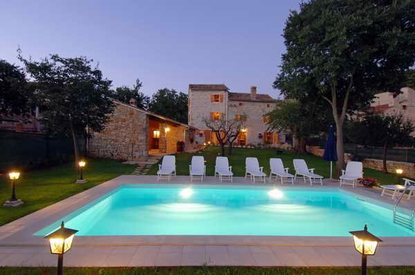 4 Bedroom stone villa with Pool, Sleeps 8