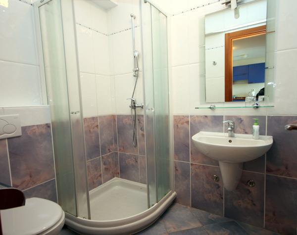 1 Bedroom Apartment in Brela, Sleeps 2-3