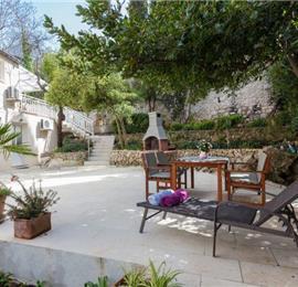 2 Bedroom Apartment in Lapad Bay, Dubrovnik. Sleeps 4-6