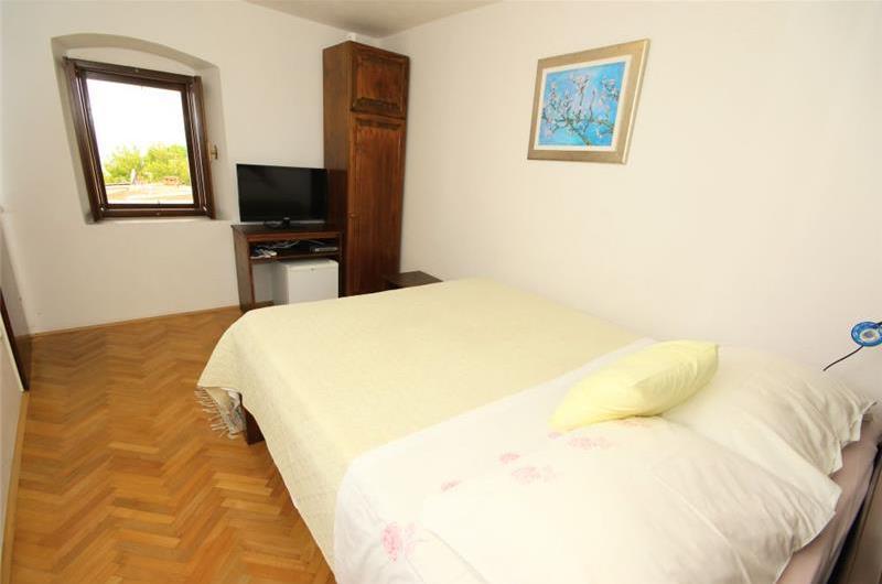 6 bedroom villa in Brela, Makarska Riviera, Sleeps 10-11