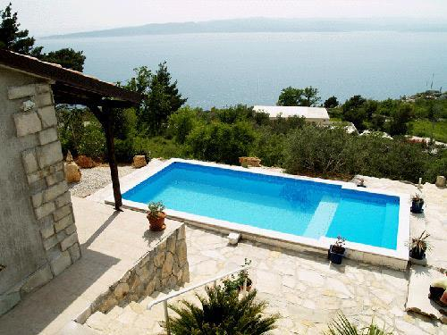 3 Bedroom Villa with Pool in Brela, Sleeps 6-7