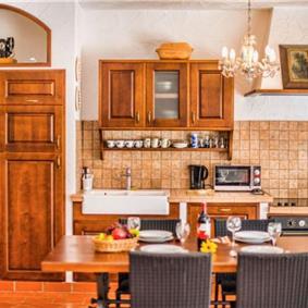 4 Bedroom Istrian Villa with Pool near Vrsar, sleeps 8