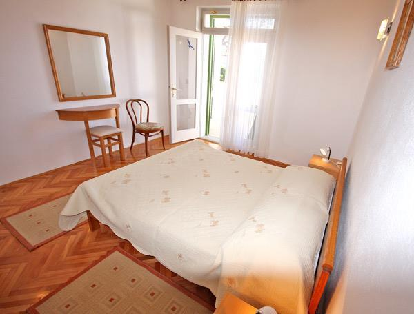 1 Bedroom Apartment in Brela, sleeps 2-3