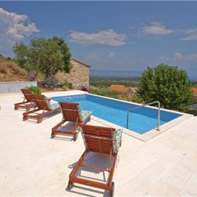 3 bed Hvar Island Villa with Pool sleeps 8-10