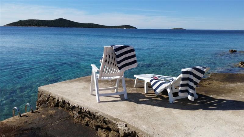 3 Bedroom Seaside Cottage in Sevid near Primosten sleeps 6