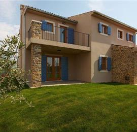 4 Bedroom Istrian Villa with Pool and Stunning Views near Buje, sleeps 8