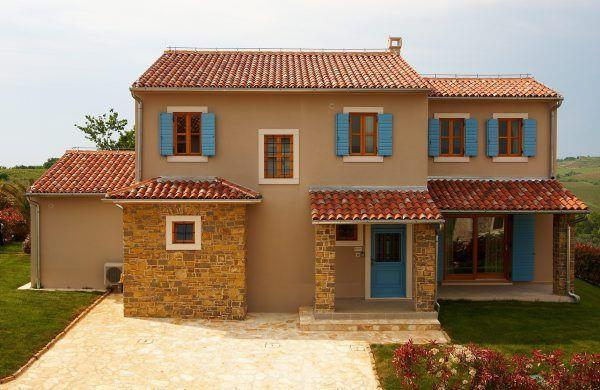 Istrian villa with pool and sea views near Buje sleeps 8