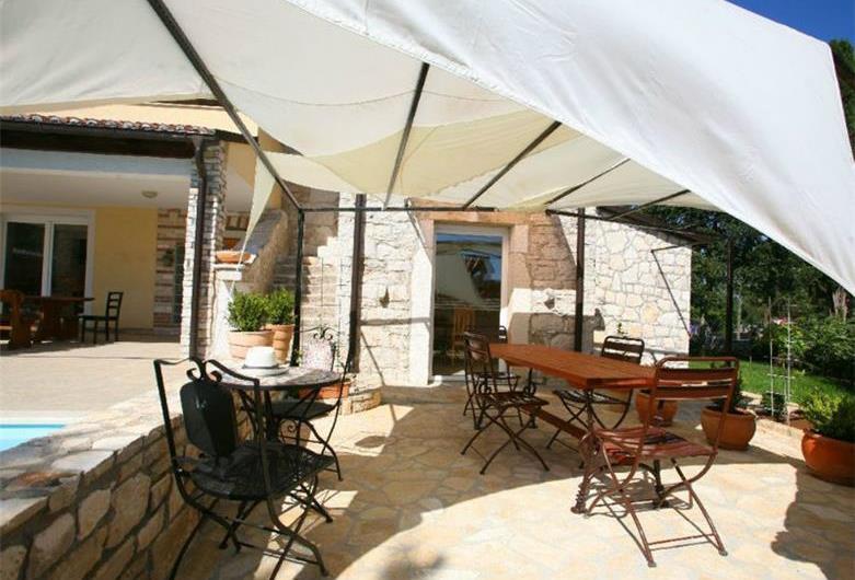 5 Bedroom Istrian Villa with Pool in Manjadvorci, sleeps 9