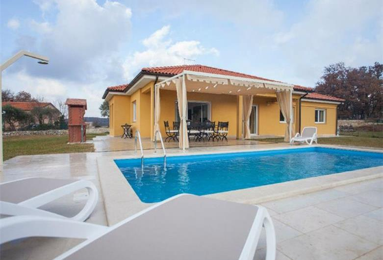 Villa with pool near Rovinj, Istria, Sleeps 9