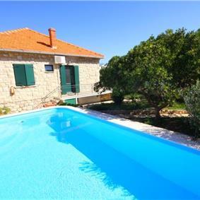 4 Bedroom Sea Front Villa with Pool in Postira, Brac Island, Sleeps 8