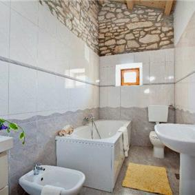 3 Bedroom Villa with Pool near Barban, sleeps 6