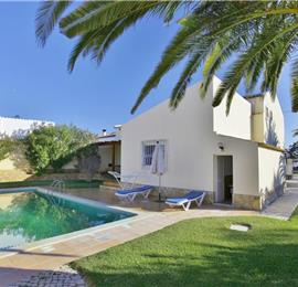 3 Bedroom Villa with Pool near Vale do Lobo, Sleeps 6
