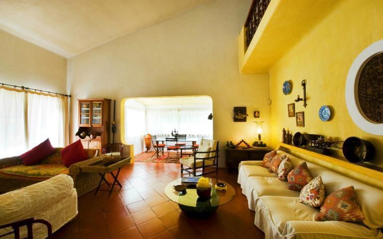 3 Bedroom Villa with Pool and Tennis Court near Vale do Lobo, Sleeps 6-8