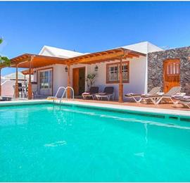 Charming 4 bedroom Villa with Pool in Albufeira, Sleeps 8