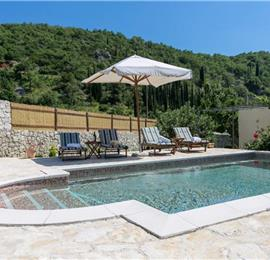 2 Bedroom Villa with Pool and Beautiful Views near Gruda, Dubrovnik Region, Sleeps 5