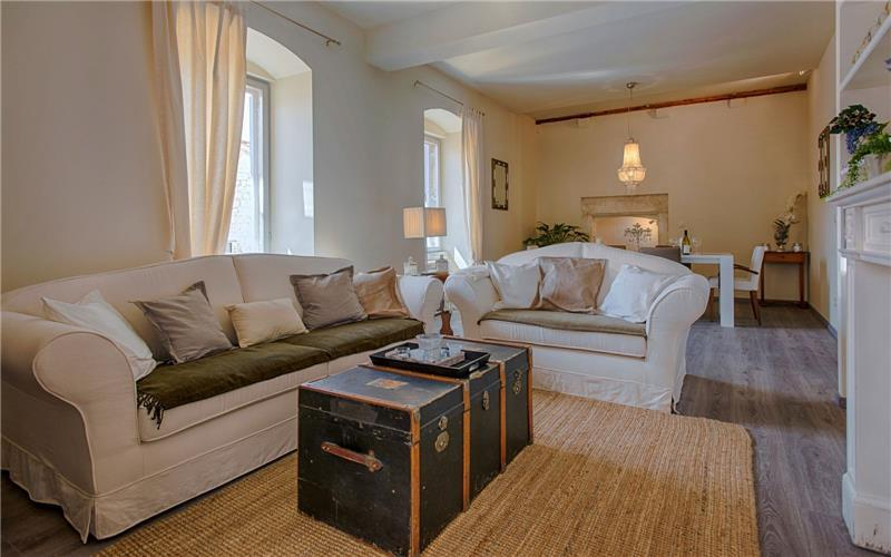 2 Bedroom Luxury Apartment in Hvar Town, Sleeps 4