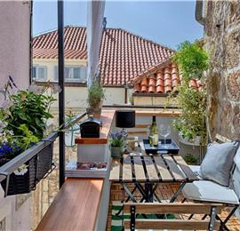 2 Bedroom Luxury Apartment in Hvar Town, Sleeps 4