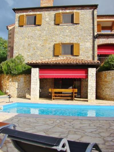 4 Bedroom Istrian Villa with Pool close to Porec, Sleeps 8