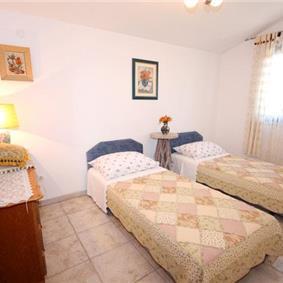 2 Bedroom Villa in Sevid near Primosten, Sleeps 4